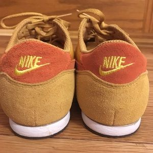 MINT CONDITION Vintage Nike Trainers